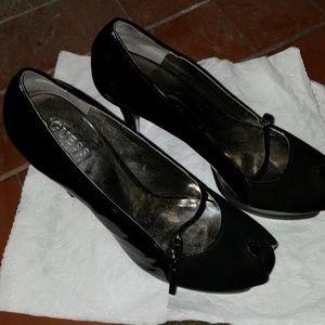 "Guess black platform 5""-1/2 heel open toed pumps"